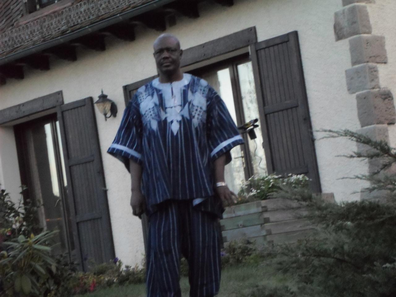 Mr Amadé OUEDRAOGO en boubou